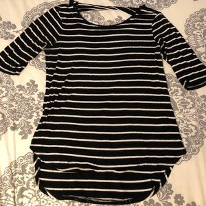 Cable and Gauge Black/White Striped 3/4 Sleeve - L